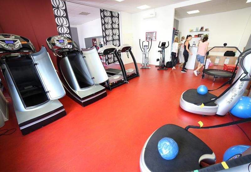 Dámské fitness Red Fit Praha 9 - cvičení pro ženy