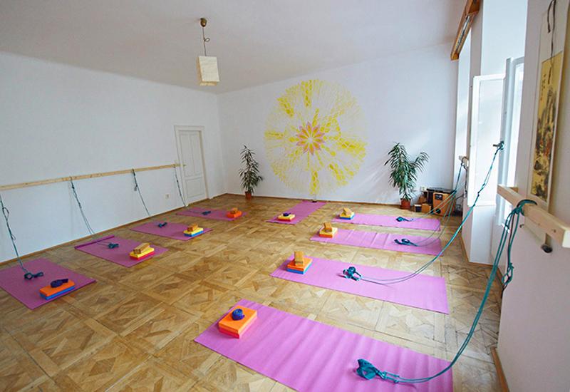 Spiral Yoga Praha 1 - cvičení pro ženy