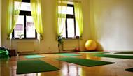 Yoga pilates studio Praha 1 - cvičení pro ženy